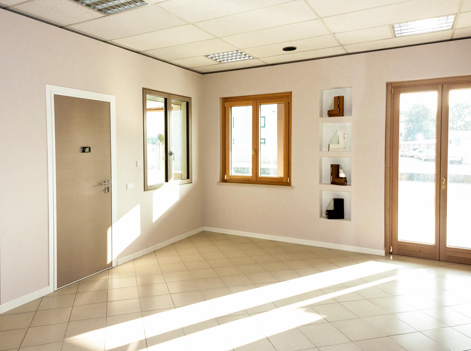 interno showroom brianese